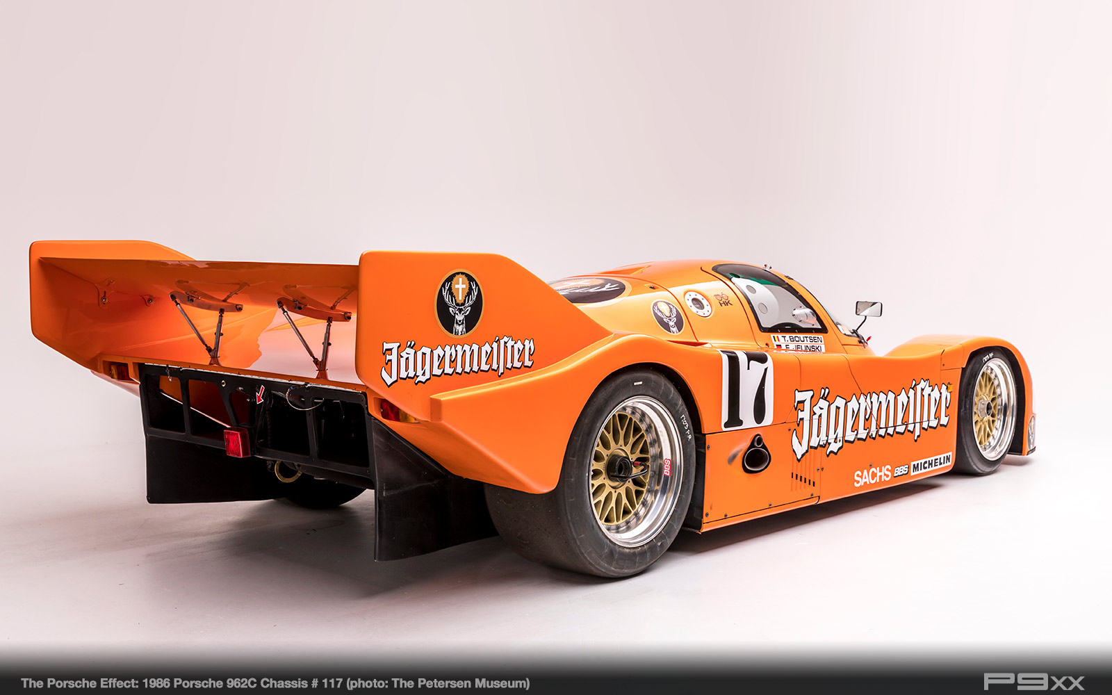 1986-Jagermeister-962C-Chassis-117-Petersen-Automotive-Museum-The-Porsche-Effect-439