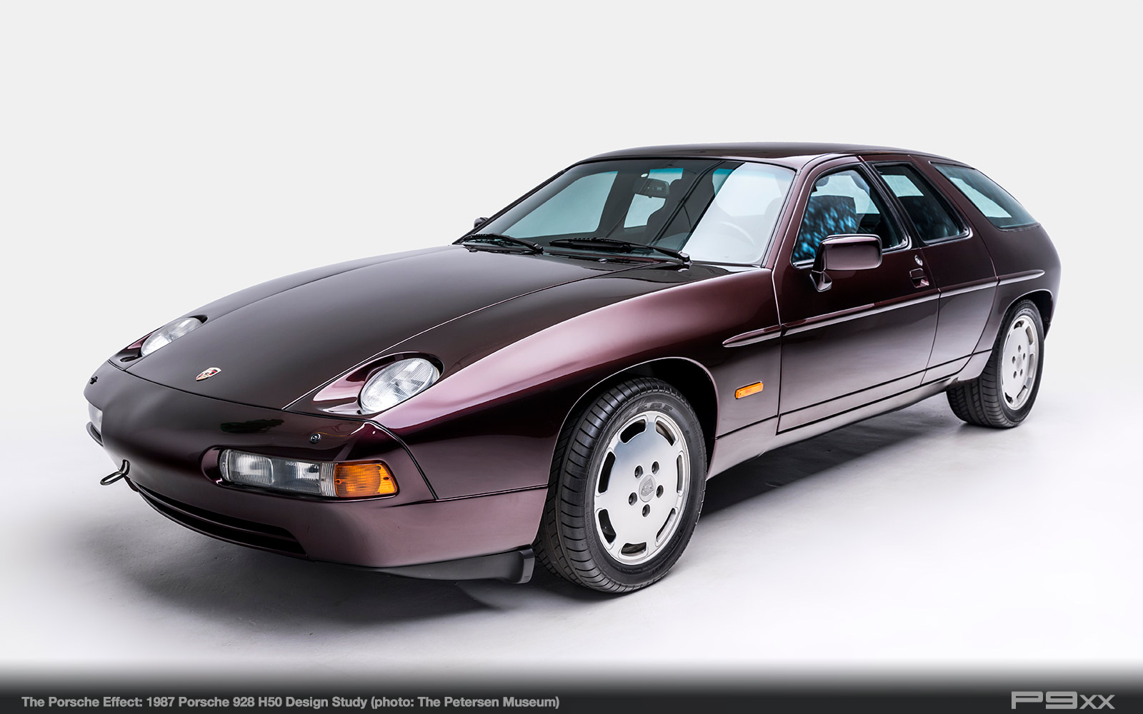 1987-928-H50--Petersen-Automotive-Museum-The-Porsche-Effect-453