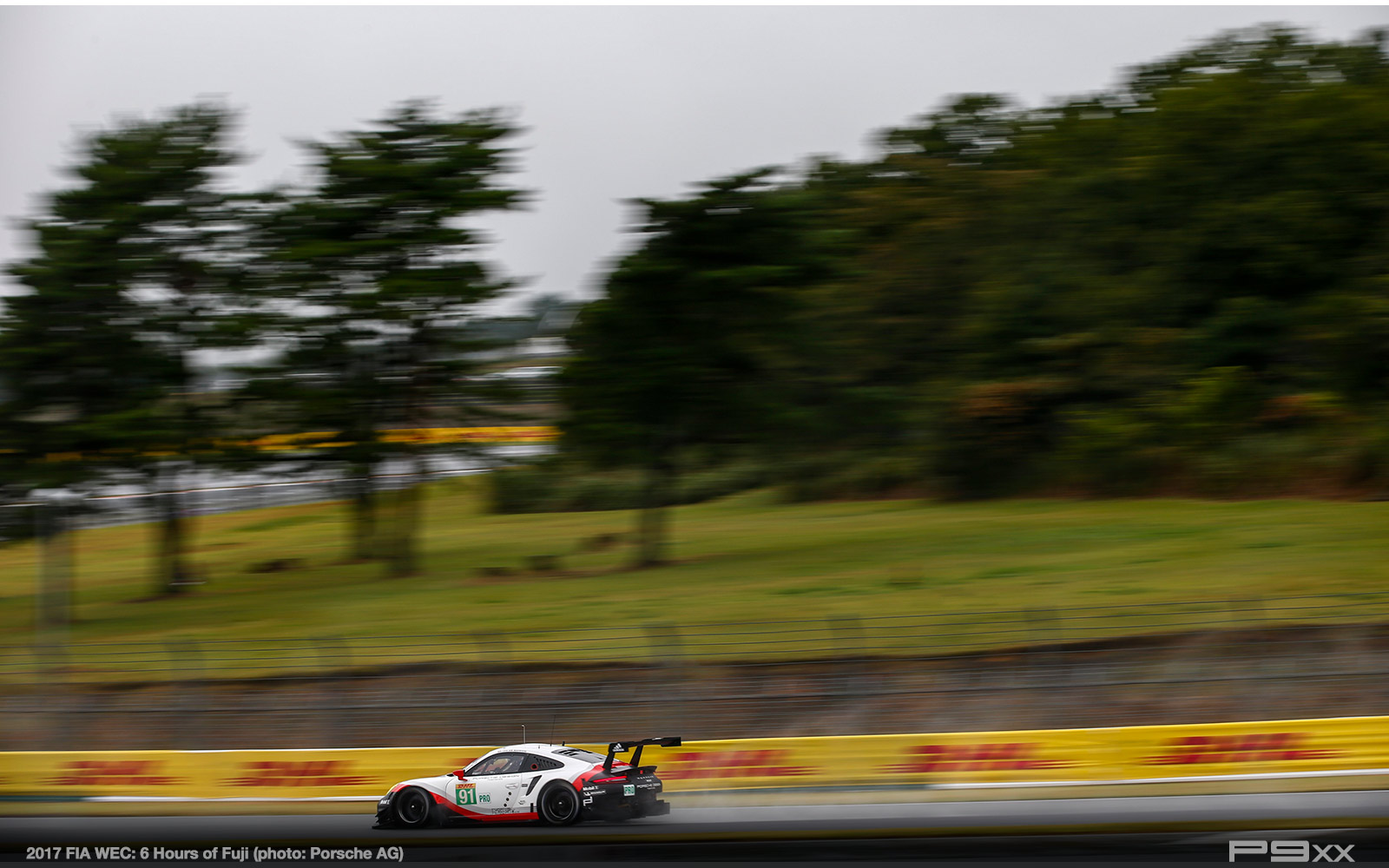 2017-FIA-WEC-6h-of-Fuji-Porsche-388
