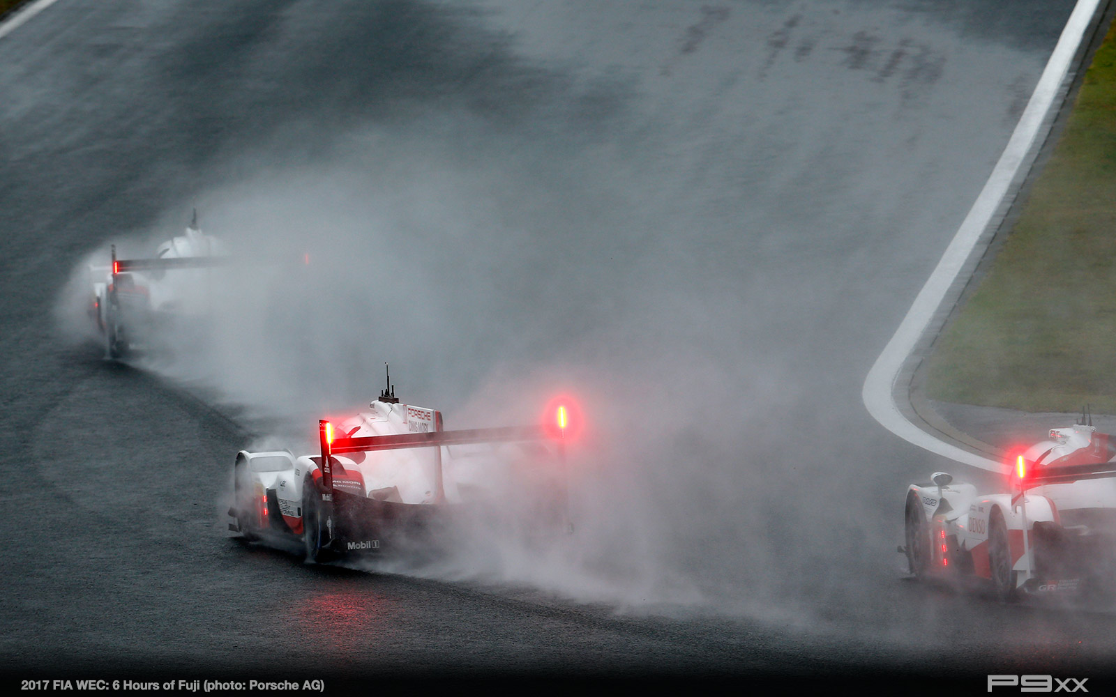 2017-FIA-WEC-6h-of-Fuji-Porsche-437