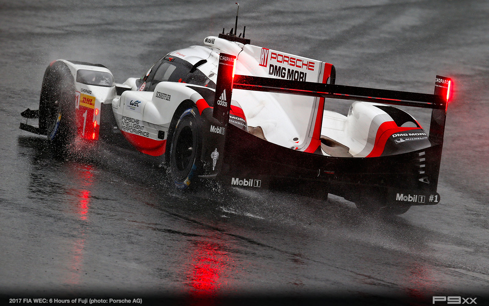 2017-FIA-WEC-6h-of-Fuji-Porsche-447