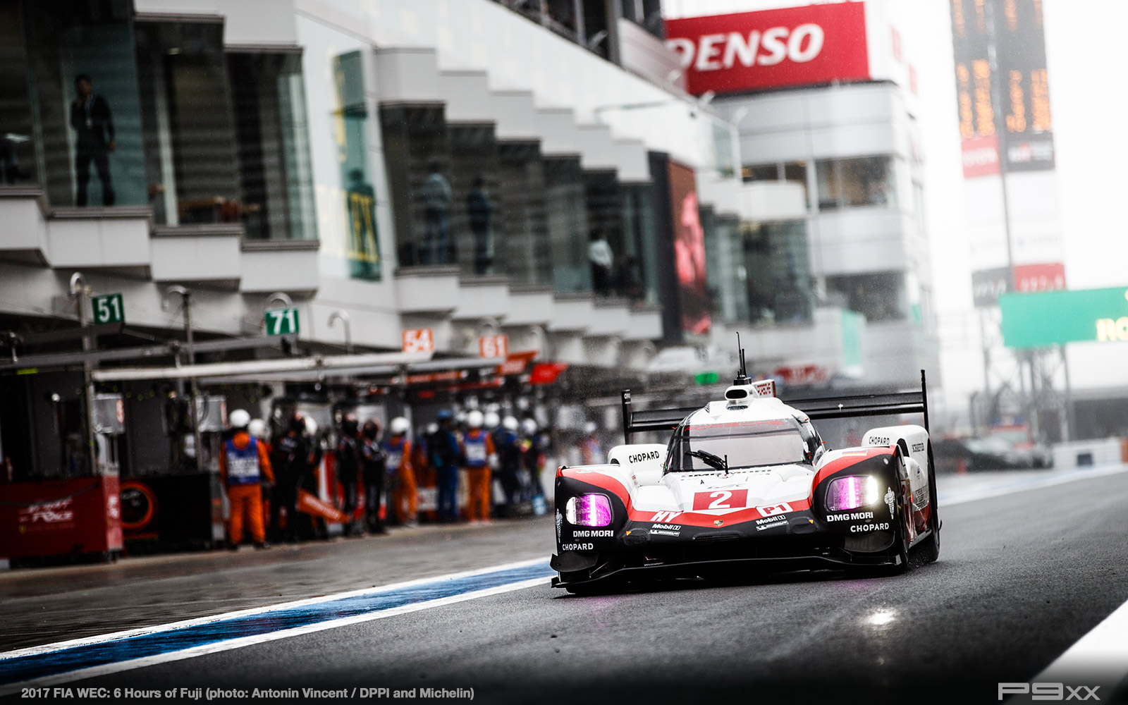 2017-FIA-WEC-6h-of-Fuji-Porsche-Fuji_02117011_1776305