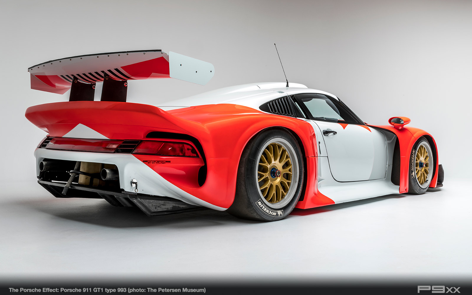 911-GT1-993-Petersen-Automotive-Museum-The-Porsche-Effect-293