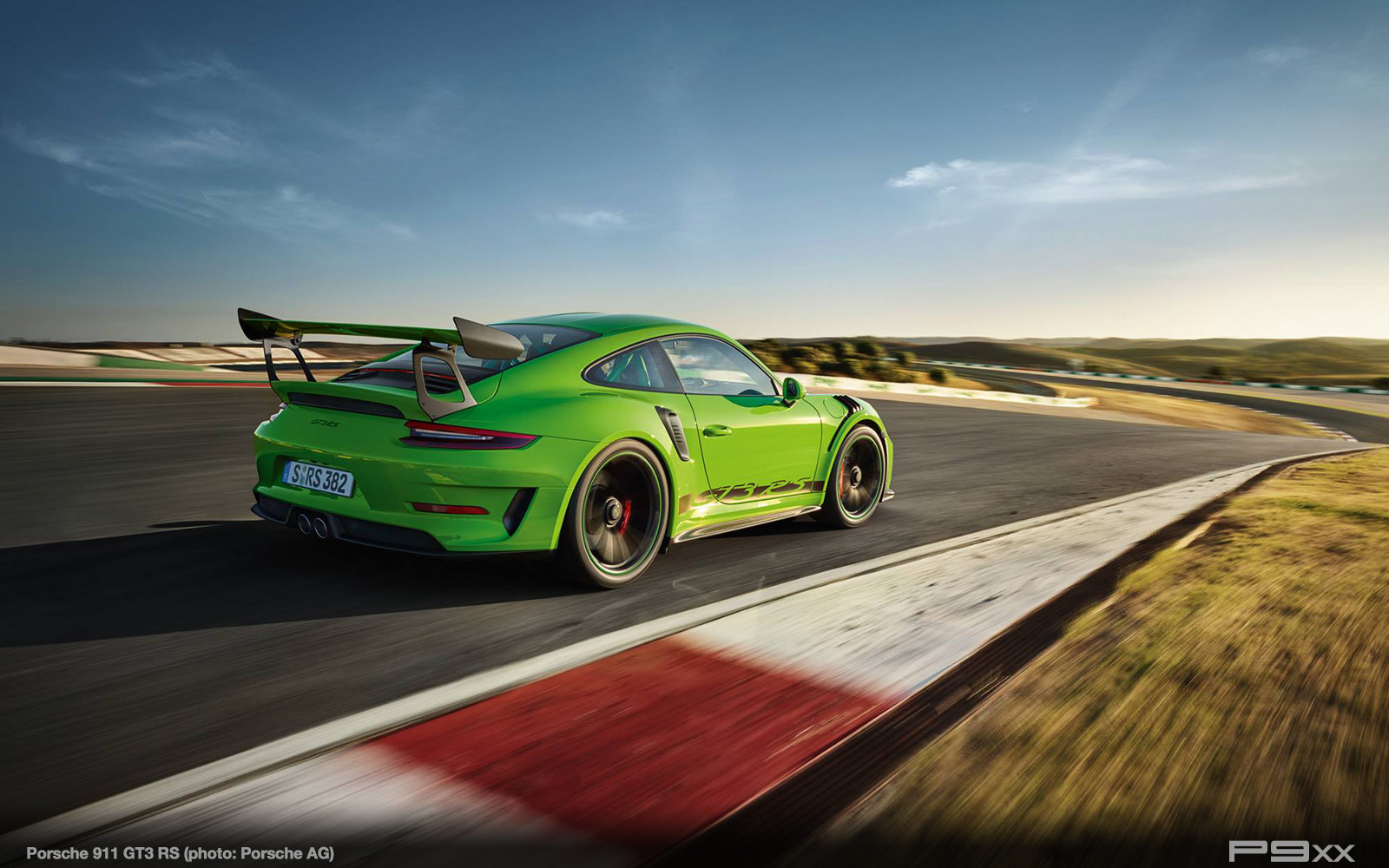 Porsche-991-2-911-GT3-RS-375