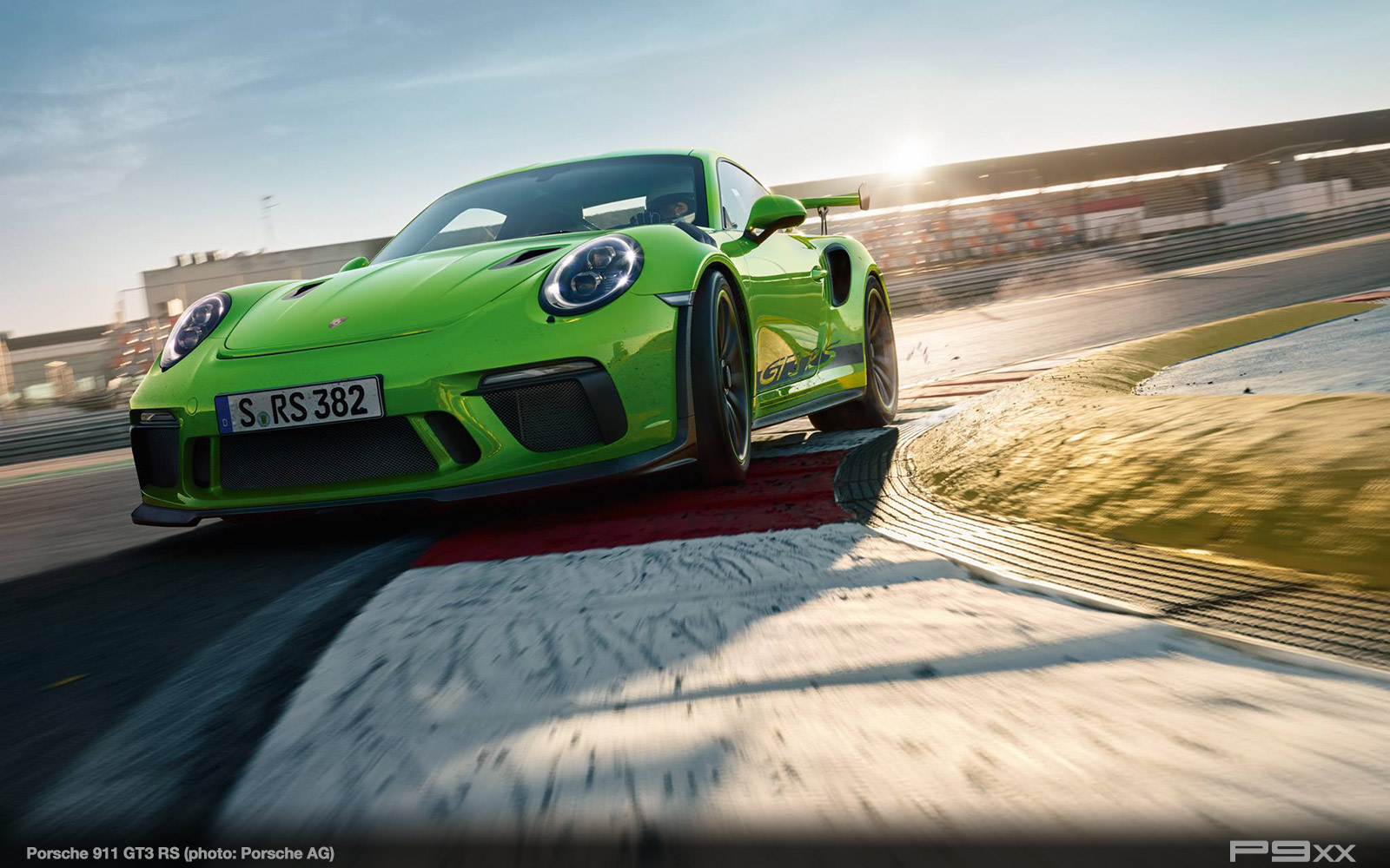 Porsche-991-2-911-GT3-RS-382