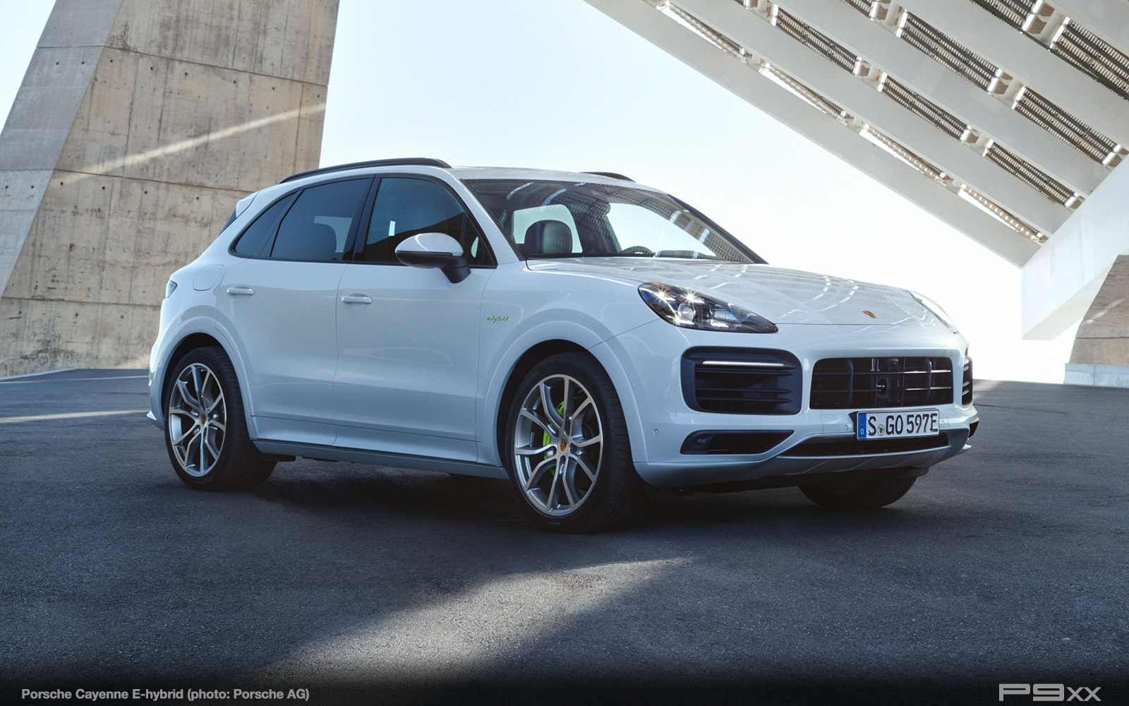 Porsche-Cayenne-E-hybrid-333