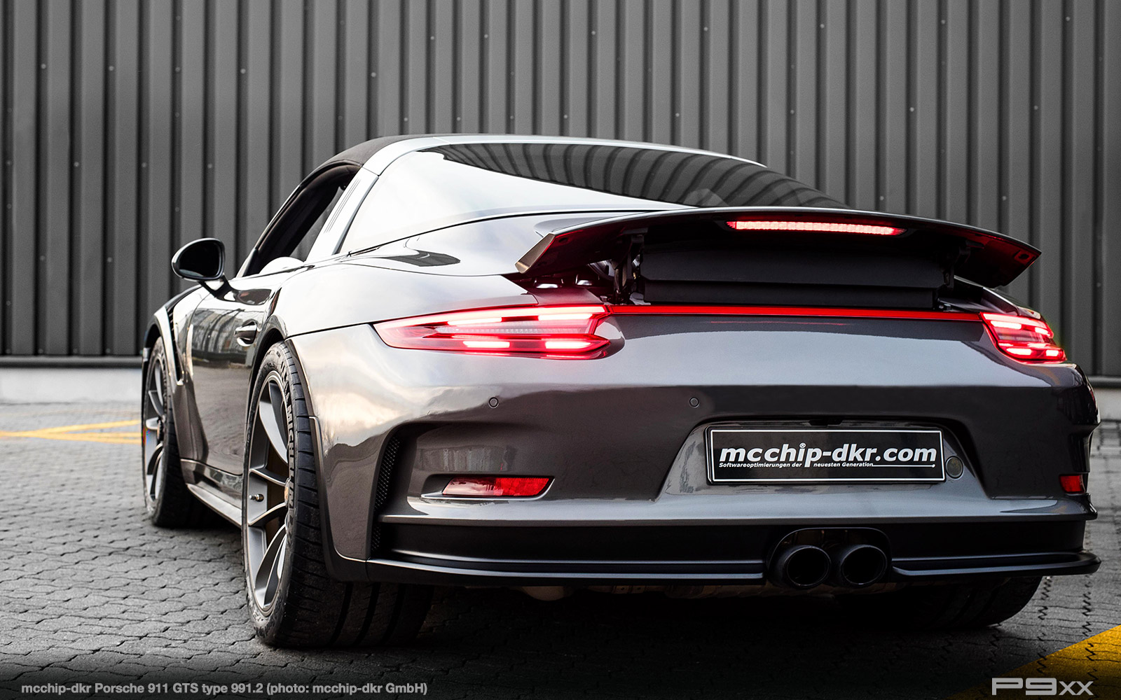 mcchip-dkr-porsche-911-9912-targa-4-gts-712