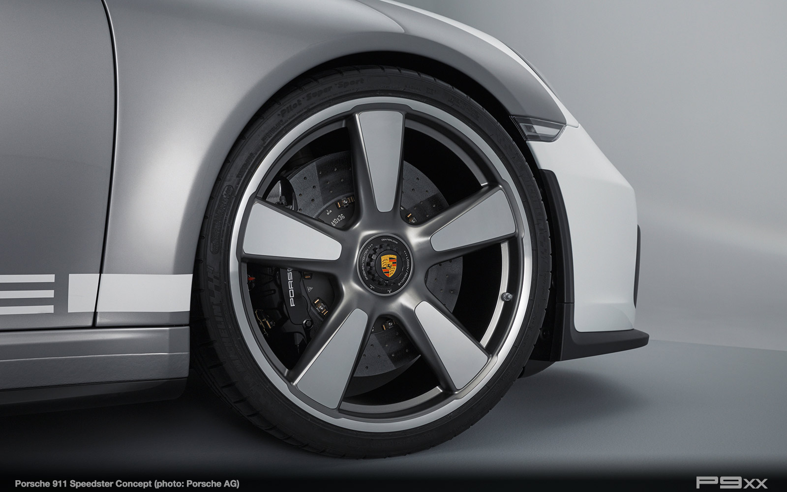 Porsche-911-Speedster-Concept-2018-312