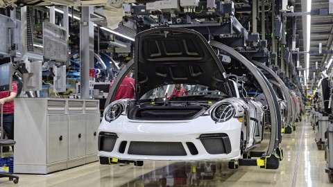 Last Porsche 911 of the 991 Generation Comes off Production Line